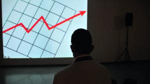 Oferta de ETFs cresce na bolsa, concorrência aumenta, e taxas caem pela metade