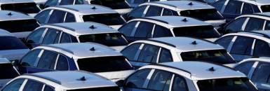 Biden define meta de veículos com motor elétrico até 2030 nos EUA